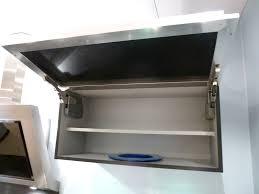 meuble haut cuisine noir laqué cuisine schmidt de presentation modele arani colori blanc brillanc