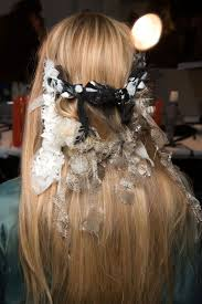 best hair accessories coolest new hair accessories best runway and carpet