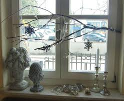 Christmas Window Garland Decorations by Christmas Window Decoration Ideas And Displays