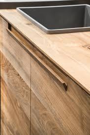 kitchen handles modern il legno fossile diventa minimal essence la nuova cucina toncelli