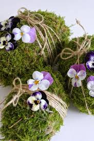 Spring Decorating Ideas Pinterest by Beautiful Moss Eggs Moss And Other Woodsy Things Pinterest