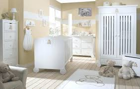 chambre blanc beige taupe deco chambre blanche simple ide dco chambre bebe beige with