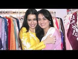 Shakti Kapoor Family S Biggest Controversies Photos - shraddha kapoor with mom padmini kolhapure shilpa shetty at women