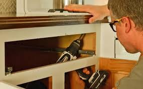 changer plan de travail cuisine changer le plan de travail d une cuisine guide rénovation
