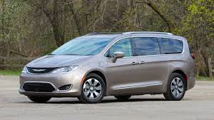 chrysler minivan is 2017 chrysler pacifica hybrid production halted for good
