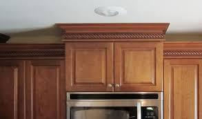 crown moulding on kitchen cabinets crown kitchen cabinets donatz info