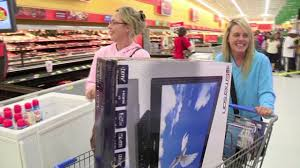 thanksgiving store openings here u0027s what wal mart u0027s u s ceo has to say about early