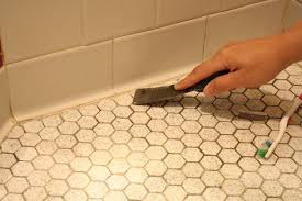 Mould On Bathroom Sealant Learn How To Re Caulk Your Bathroom How Tos Diy