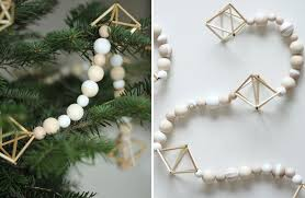 Decorate Christmas Tree Garland Beads by 30 Modern Christmas Decor Ideas For Your Home Contemporist