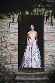 Non Traditional Wedding Dresses Non Traditional Wedding Dresses For The Modern Bride Weddbook