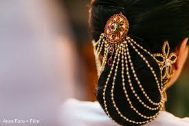 hair accessories for indian brides hair makeup in kolkata india destination wedding by anza foto