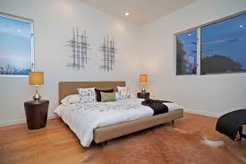 Laminate Flooring Walls Rug Carpet On Wooden Laminate Flooring Using White Wall Paint