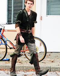 Costumes Halloween Ouat Peter Pan Actor Peter Wears U2026