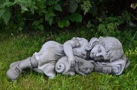 statues de jardin en pierre statue sculpture de jardin en pierre petite fille et chat amazon