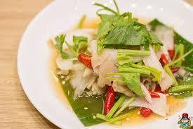 cuisine spicy ยำผ าข ร ว หร อ ยำสไบนาง spicy cow s intestine salad cuisine