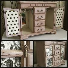 vintage jewelry box painted in the old barn milk paint color
