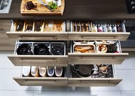rangement dans la cuisine astuce rangement cuisine comment faire la meilleur combinaison