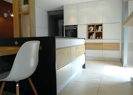 cuisine contemporaine blanche et bois cuisine contemporaine blanche cuisine cuisine contemporaine blanche