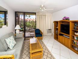 roomy west maui suite w cool tile floors homeaway kihei