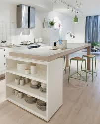 cuisine en bois clair cuisine bois et blanche plan de travail bois cuisine