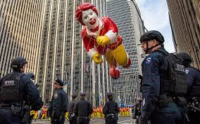 macy s thanksgiving day parade 2015 in new york city in pictures