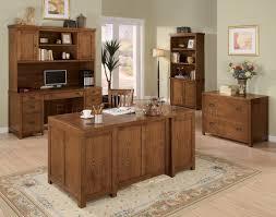Light Wood Desk Light Wood Finish Classic Office Desk W Antiqued Finish Hardware