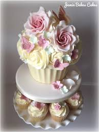 beautiful giant cupcakes giant cupcake cutting cake with sugar