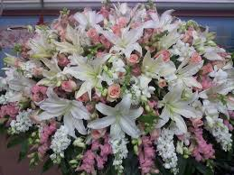 casket spray best 25 casket sprays ideas on funeral flowers