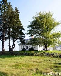 colorful new england farmhouse farmhouse decorating ideas