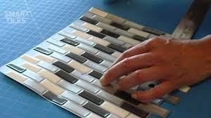 carrelage mural adhesif pour cuisine carrelage mural adhésif smart tiles installation du modèle
