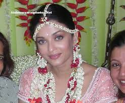 flower ornaments worn by aishwarya 3232736 iss pyaar ko