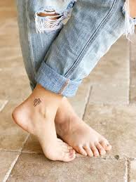 ankle small delicate and for summer hommeg
