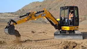 jcb presenta sus nuevos modelos de miniexcavadoras obras públicas