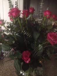 wholesale flowers san diego 2 dozen roses eucalyptus bouquet 6 mini vases and the