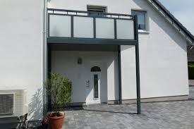holzgelã nder balkon balkone aus aluminium sterreich möbel ideen und home design