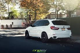 Bmw X5 50d M - alpine white bmw x5 gets m performance treats autoevolution