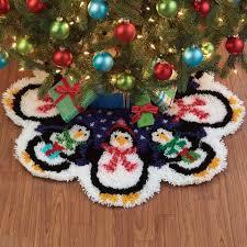 christmas skirt herrschners christmas penguins tree skirt latch hook