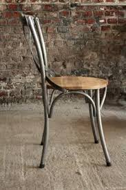 chaise m tal industriel chaise bistrot bois et métal bistro chairs bistro chairs