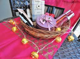 Makeup Gift Baskets Makeup Gift Sets U2013 To The Gorgeous You