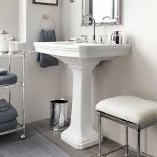 pedestal sink bathroom ideas 59 best small bathroom space images on bathroom ideas