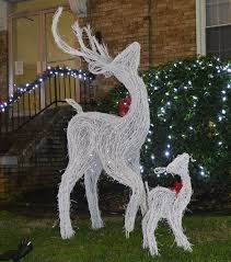 white grapevine deer 55 rustic wedding decorations grapevine