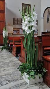 sencillo y lindo arreglo piso con gladiolas flower