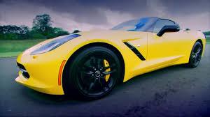 corvette on top gear top gear pits the corvette c7 against the porsche cayman gts