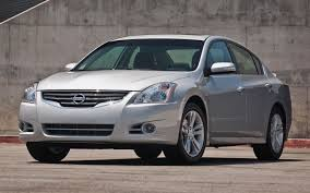 nissan altima yellow triangle 2012 nissan altima gets small price bump sedan starts at 21 170