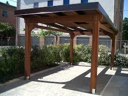 tettoia autoportante pergola in legno lamellare con copertura mobile a pannelli
