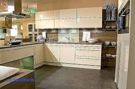 cuisine taupe et bois enchanteur cuisine taupe et bois beige gallery deco cuisine avec