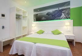 habitaciones adelino hostel san antonio ibiza