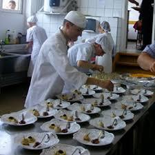 aide de cuisine de collectivité école reumonjoie