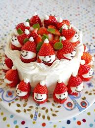 cake decorating with strawberries excellent decoration ideas for