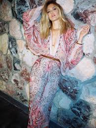 bohemian fashion bar refaeli channels bohemian style for so chic shoot